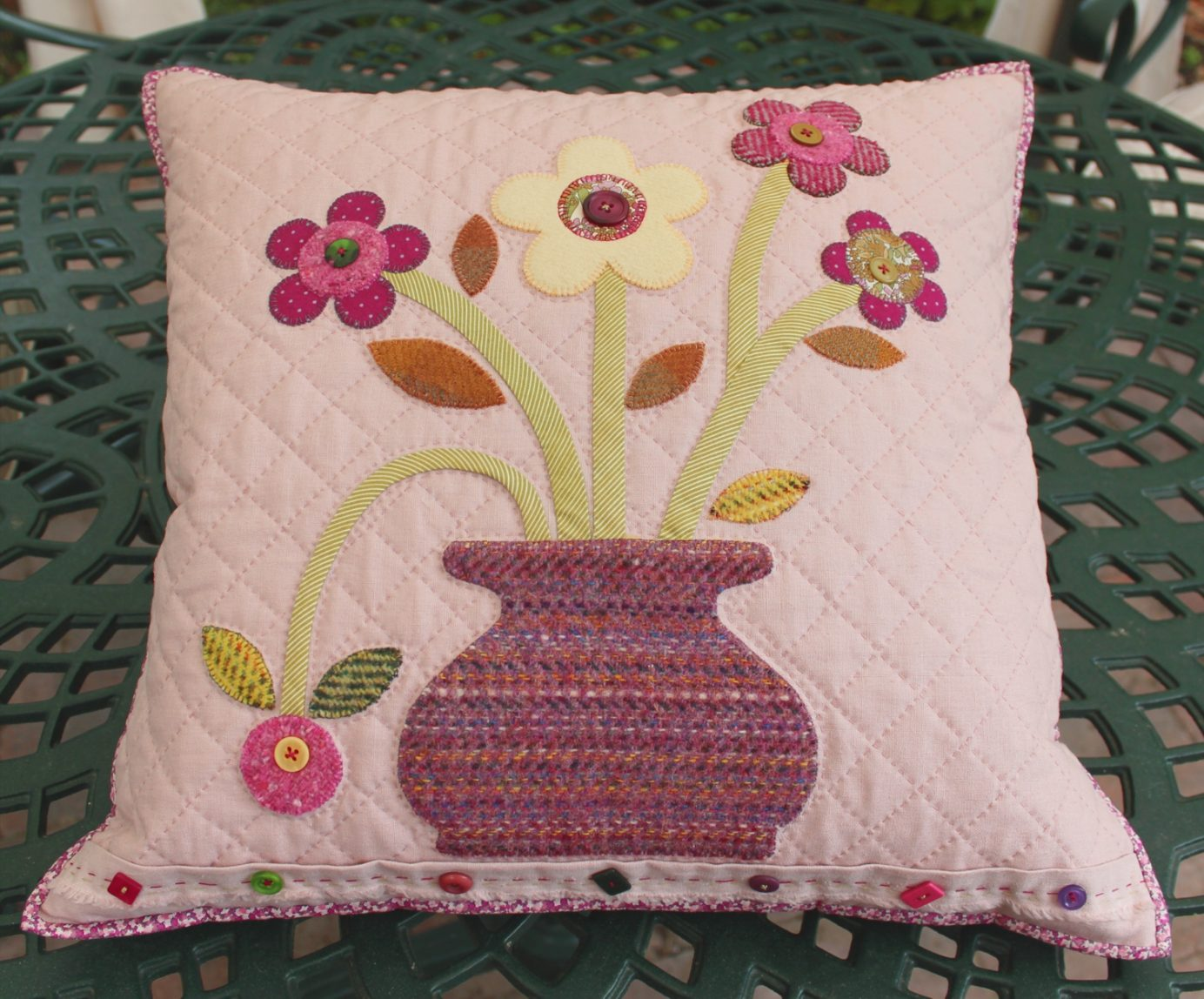 ermintrudes cushion pattern